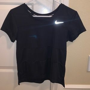 Semi-Cropped Athletic shirt